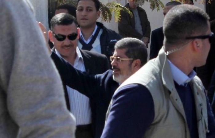 مرسي يصل استاد القاهرة للمشاركة في مؤتمر القوى الإسلامية لنصرة سوريا