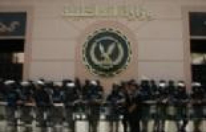 """بدء مؤتمر ضباط الشرطة بمدينة نصر بهتاف """"يسقط حكم المرشد"""""""