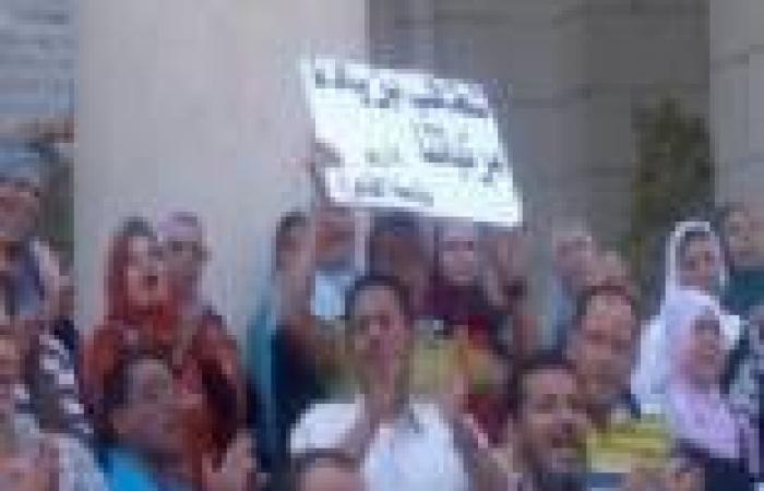 """اليوم.. وقفة احتجاجية لموظفي الجامعات أمام """"المالية"""" للمطالبة بزيادة رواتبهم"""