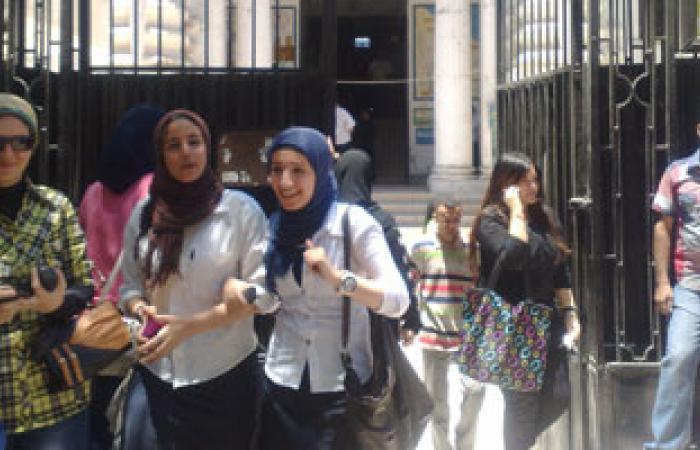 طلاب المرحلة الأولى بالشرقية بدأوا امتحان اللغة الإنجليزية