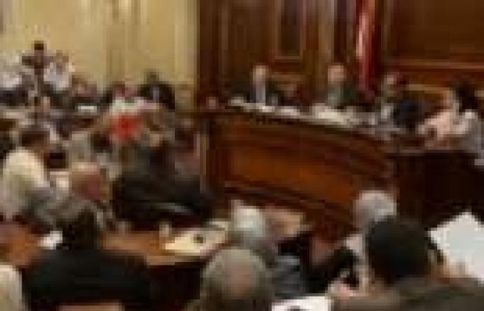 الشورى يبدأ مناقشة قانون العمل الأهلي