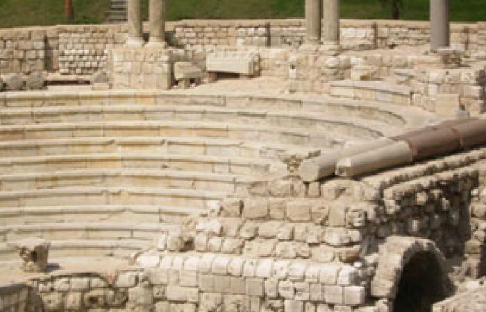 لجنة هندسية من الثقافة لإعادة تشغيل المسرح الرومانى بمرسى علم