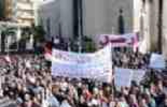"""""""رويترز"""": مصر تتأهب لاحتجاجات ستعطي منحى جديدا للثورة"""