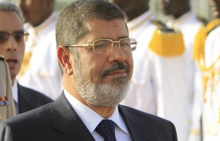 سياسيون: قرارات «مرسى» تسير وفق سياسة «الأخونة»