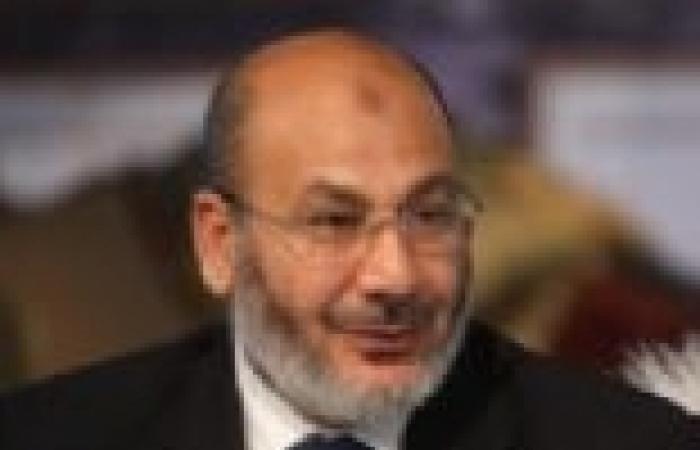"""صفوت حجازي: لن يستطيع أحد المساس بشرعية """"مرسي"""".. ومن يرشه بالمياه أرشه بالدم"""