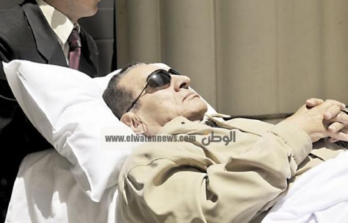 """""""آسف يا ريس"""" تنشر انفراد """"الوطن"""" بتسجيلات مبارك.. بعد نفيها نجاح الجريدة في دخول طائرته"""
