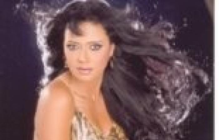"""رانيا يوسف: سأشارك في مظاهرات الغد بميدان """"التحرير"""""""