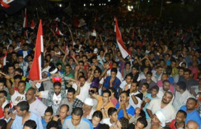 إمام وخطيب المحلة يلهب حماس المتظاهرين