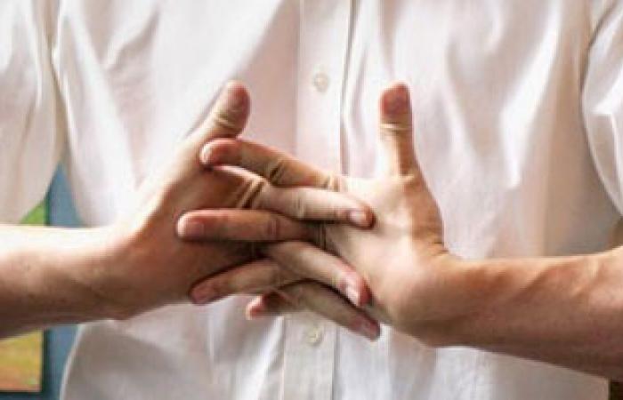 علاج تسلخ عضلات الأصابع بوضعه داخل الجسم