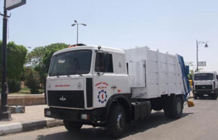 """تزويد حملة نظافة غرب شبرا بـ""""5"""" سيارات قلاب حمولة 100 طن"""