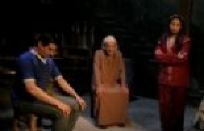 """الحلقة (13) من """"بدون ذكر أسماء"""": """"الشيخ شفيع"""" يقول إن """"نوارة"""" مازالت على ذمة """"معتمد"""""""
