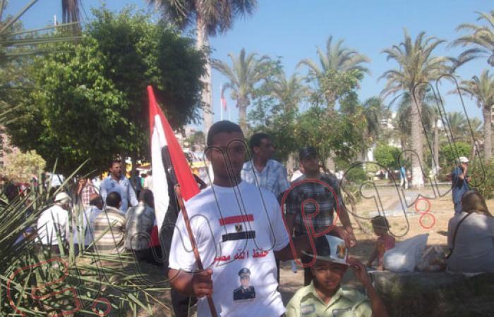 """أسر الشهداء ببورسعيد يتوافدون للمشاركة فى """"لا للإرهاب"""""""
