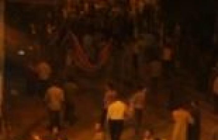 مسلمو قرية دلجا في المنيا يفرقون صبية بعد حاصرهم لثلاث كنائس