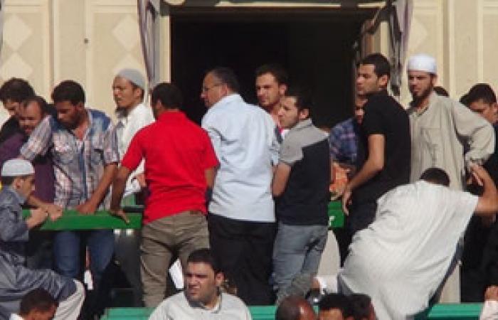 أهالى قرية أجهور بالقليوبية يشيعون جنازة أحد شهداء أحداث النصر