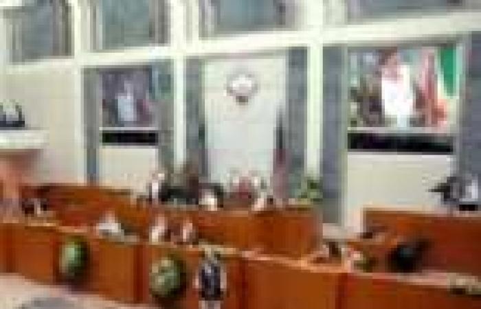 الحكومة الكويتية تقدم استقالتها عقب إعلان نتائج انتخابات (مجلس الأمة)