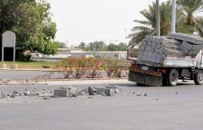 الشاحنات.. معاناة مستمرة في شرايين العروس