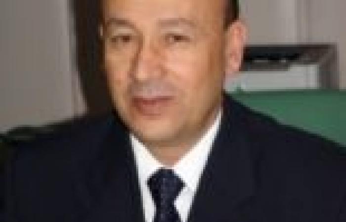وزير الطيران المدني يلتقي العاملين بشركة الخدمات الأرضية