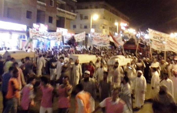 مسيرة لأنصار المعزول بمطروح بالأكفان والنعوش للتنديد بأحداث المنصة