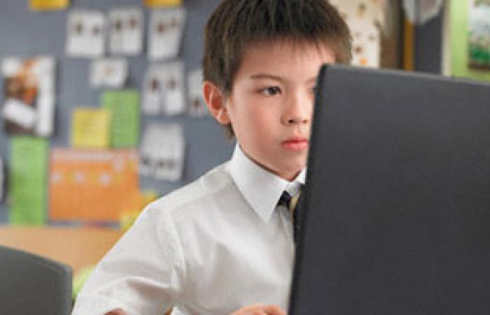 إحصائية: أكثر من 50% من أطفال الصين قادرون على استخدام الإنترنت