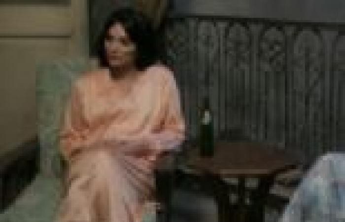 """الحلقة (18) من """"بدون ذكر أسماء"""": """"عاطف"""" يخرب الفرح ويبتز المدعوين بالصور"""