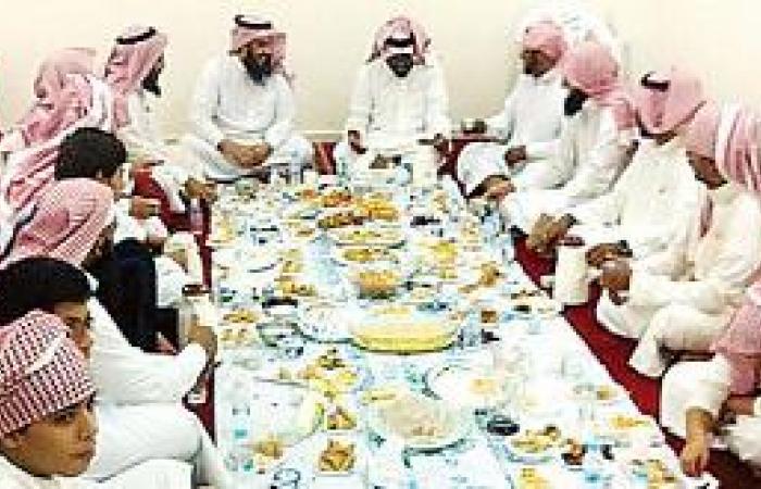 الإفطار الجماعي يوطد العلاقات بين الأهالي