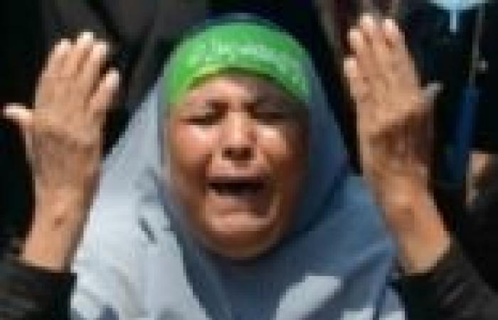 إمام مسجد يستغل فقر سيدات من القليوبية للعمل بخدمة المعتصمين في رابعة العدوية