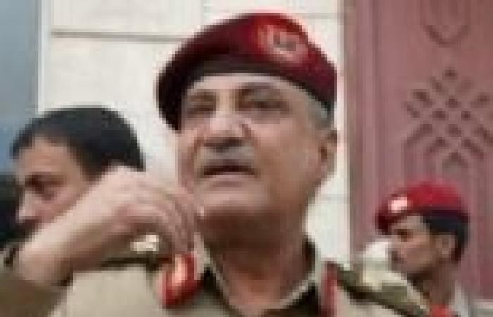 وزير الدفاع اليمني يدعو لبذل الجهود من أجل سلامة وأمن واستقرار بلاده