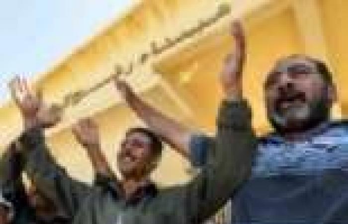 عبور 32 فلسطينيا بين مصر وقطاع غزة