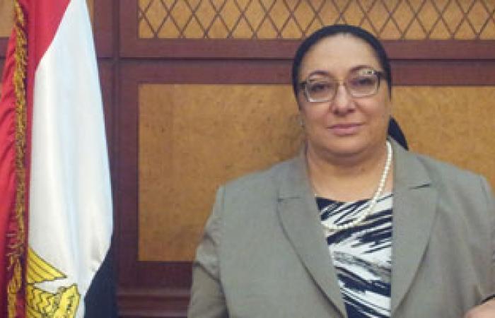 سلاسل بشرية أمام المستشفى الأميرى بالإسكندرية للتنديد بسوء الخدمة