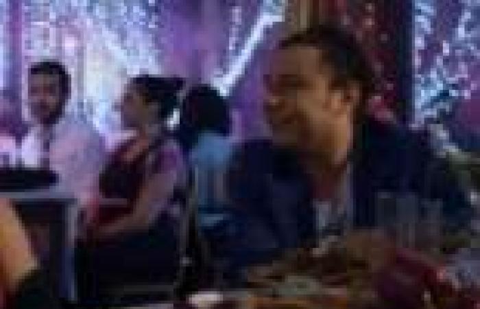 """الحلقة (23) من """"الشك"""": فايق غالب يتزوج من """"وسيلة"""".. و""""أدهم"""" يهدي """"منال"""" مسدس هدية"""