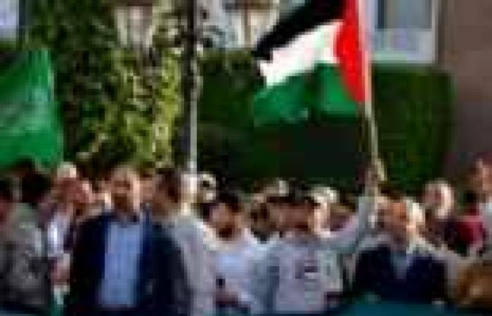 """حرق أعلام إسرائيل وأمريكا بمظاهرات """"يوم القدس العالمي"""" في العراق"""