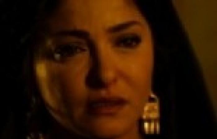 """الحلقة (23) من """"الزوجة الثانية"""": """"العمدة"""" يتفق مع الشيخ مبروك على الإيقاع براوية"""
