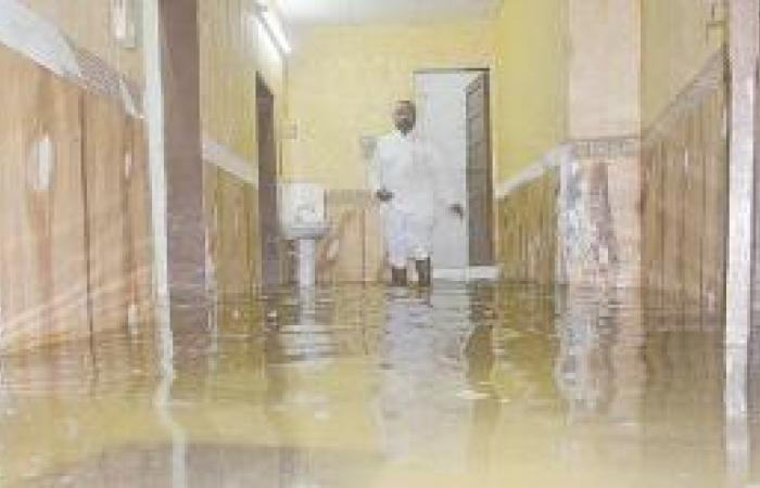 «الجوفية» تهجر أهالي قويزة من منازلهم