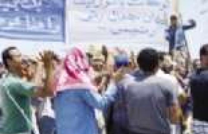 عمال «السويس للصلب» يواصلون إضرابهم لليوم الـ13 ويرفضون العودة إلى العمل قبل تحقيق مطالبهم