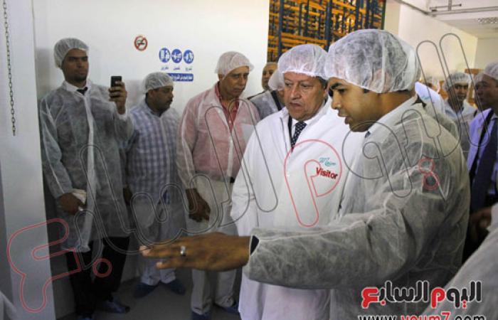 عبد النور يتفقد 3 مصانع ببرج العرب باستثمارات 192 مليون دولار