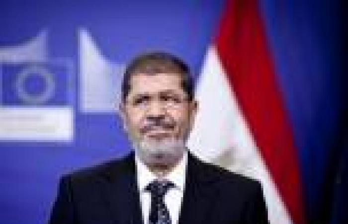 إنذار لوزير الداخلية لسحب الجنسية من 450 ألف سوري وفلسطيني منحها لهم مرسي