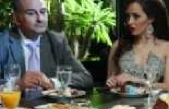 """الحلقة (22) من """"نقطة ضعف"""": ليلى تزور عمر لأول مرة في عيادته"""