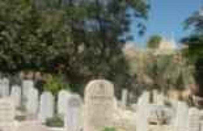 مسلمو باريس يوصون بدفن موتاهم بأوطانهم الأصلية لعدم وجود مقابر إسلامية