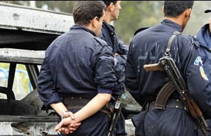 """الأمن الجزائرى """"يجهض"""" وقفة لإسلاميين ضد مفطرون بنهار رمضان"""
