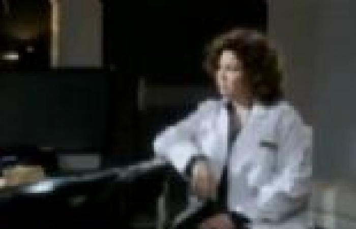 """الحلقة (27) من """"نظرية الجوافة"""": سعيد المنياوي يزور الدكتورة هالة في عيادتها"""