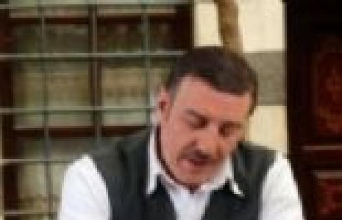 """الحلقة (27) من """"حدث في دمشق"""": فؤاد يكتشف خيانة وداد له مع بائع الكعك"""
