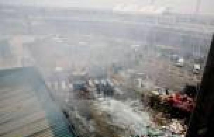 السيطرة على حريق هائل يشل مطار نيروبي الدولي بكينيا وانهيار أجزاء منه