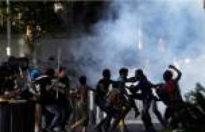 إصابة 8 وتحطيم سيارة في اشتباكات بين أنصار مرسي والأهالي بالمنصورة