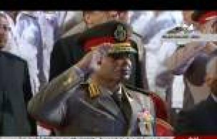 «السيسي» يُنيب قادة الجيوش والأفرع لوضع أكاليل الزهور على نصب الجندي المجهول
