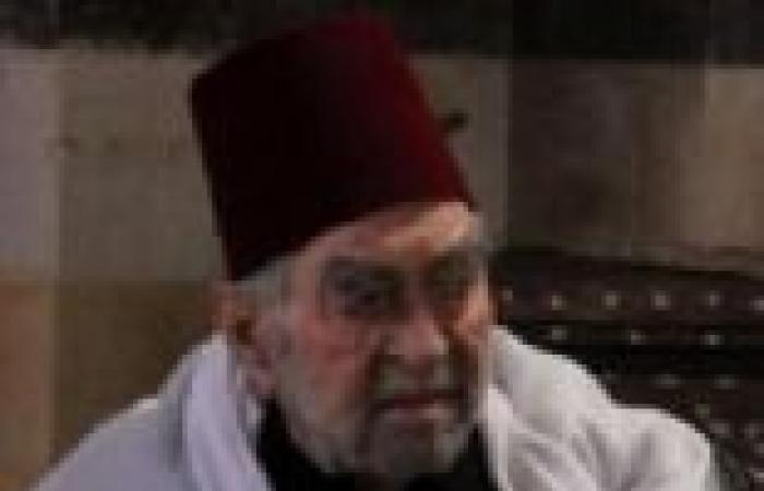"""الحلقة (26) من """"قمر الشام"""": أهل الحارة يعرضون الزعامة على شهران"""