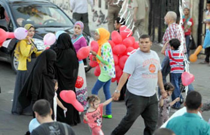إقبال متزايد على الحدائق والمتنزهات فى أسيوط فى ثانى أيام العيد