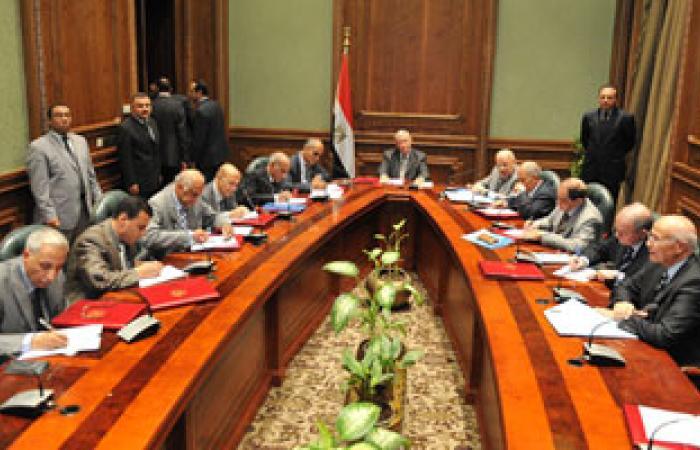 مستشار بقضايا الدولة: لا يجب وضع دستور جديد والعودة لنقطة الصفر