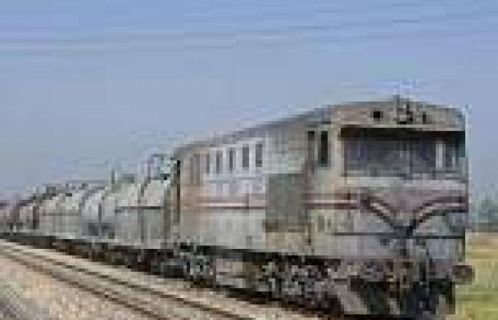 رئيس «السكك الحديدية»: سائق «نصف النقل» تسبب في حادث قطار المنيا