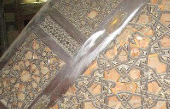 أهالى قرية بسوهاج يجبرون خطيب الجمعة على النزول من المنبر لمهاجمته الجيش