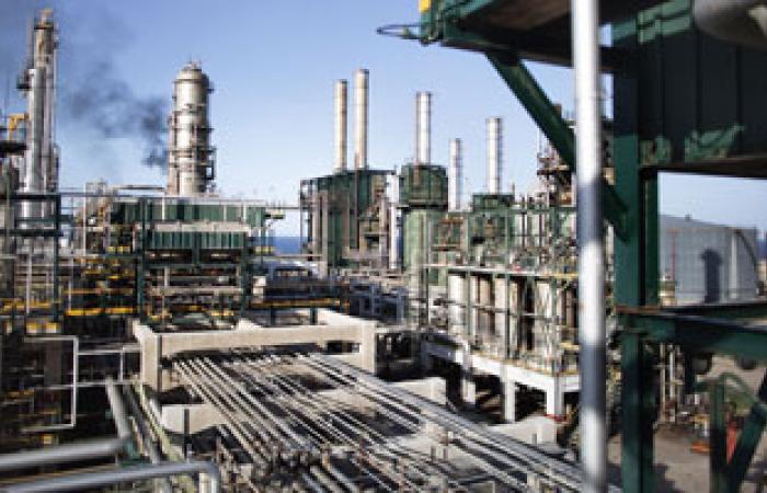 الطاقة الدولية: إنتاج النفط الإيرانى ما زال فى تراجع